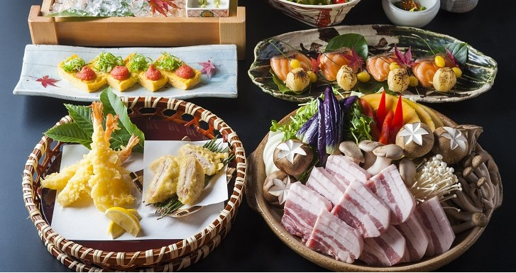 秋野菜と<br>蒸し豚の味噌陶板